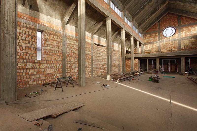 budowa-wnetrze-kosciola-03